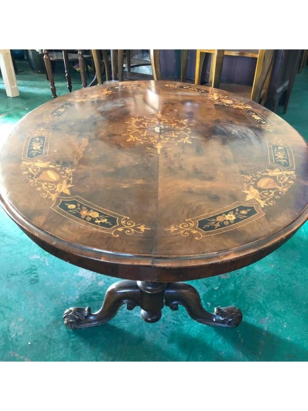 Tavolo basso del 1880, Inghilterra